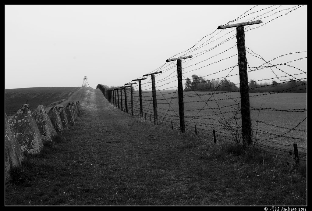 iron_curtain_by_sigfodr-d5jmi5a