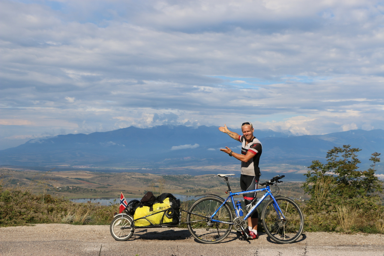 Climbing my way into Macedonia, 130Km and 2300 hight meters