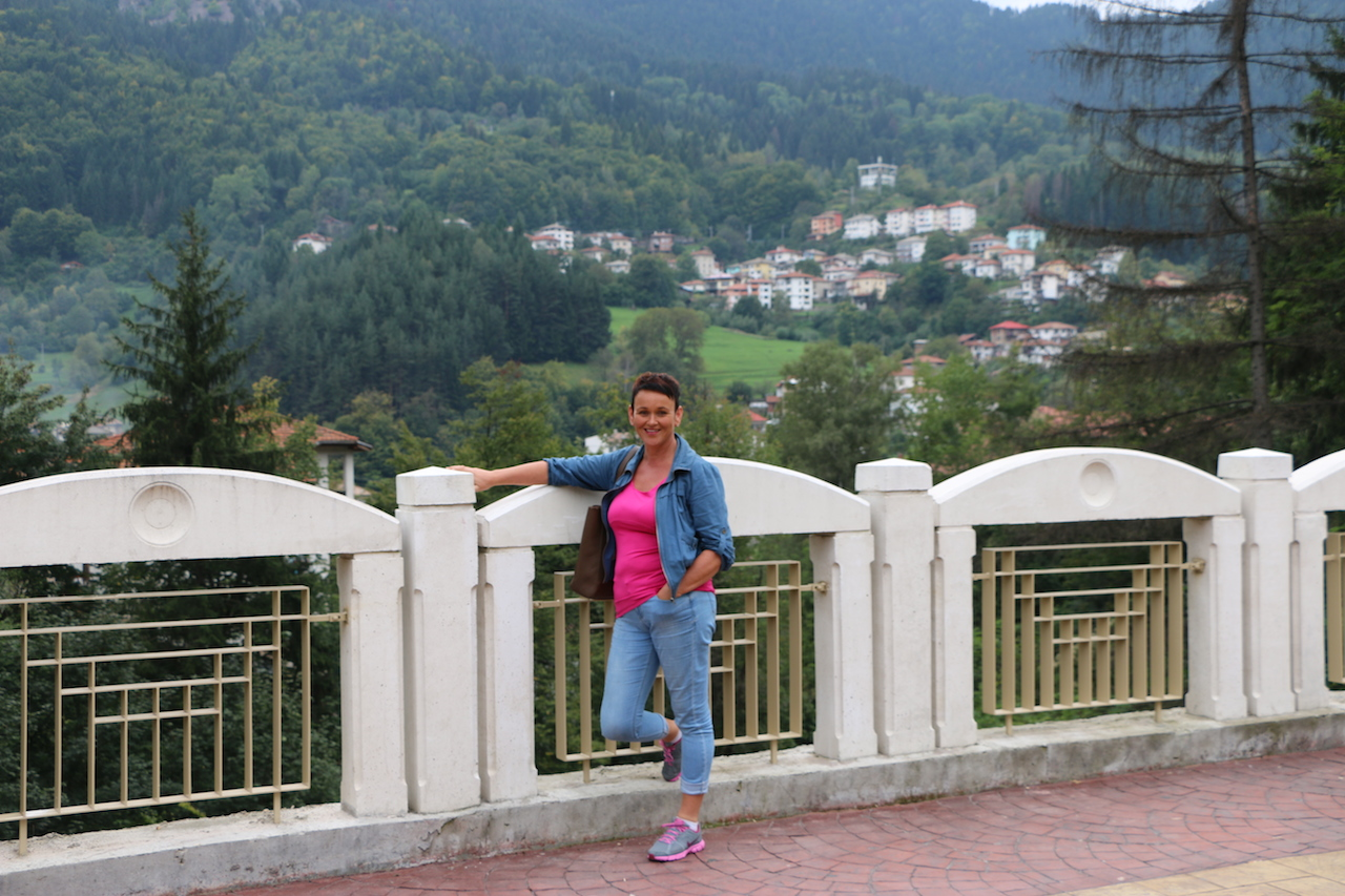 smolyan single guys Eastern europe bulgaria v1 m56577569830516522  old guys whispering baby  (%989 858230am-7 clean single rooms for 26lv to 33lv or doubles for 34lv to.