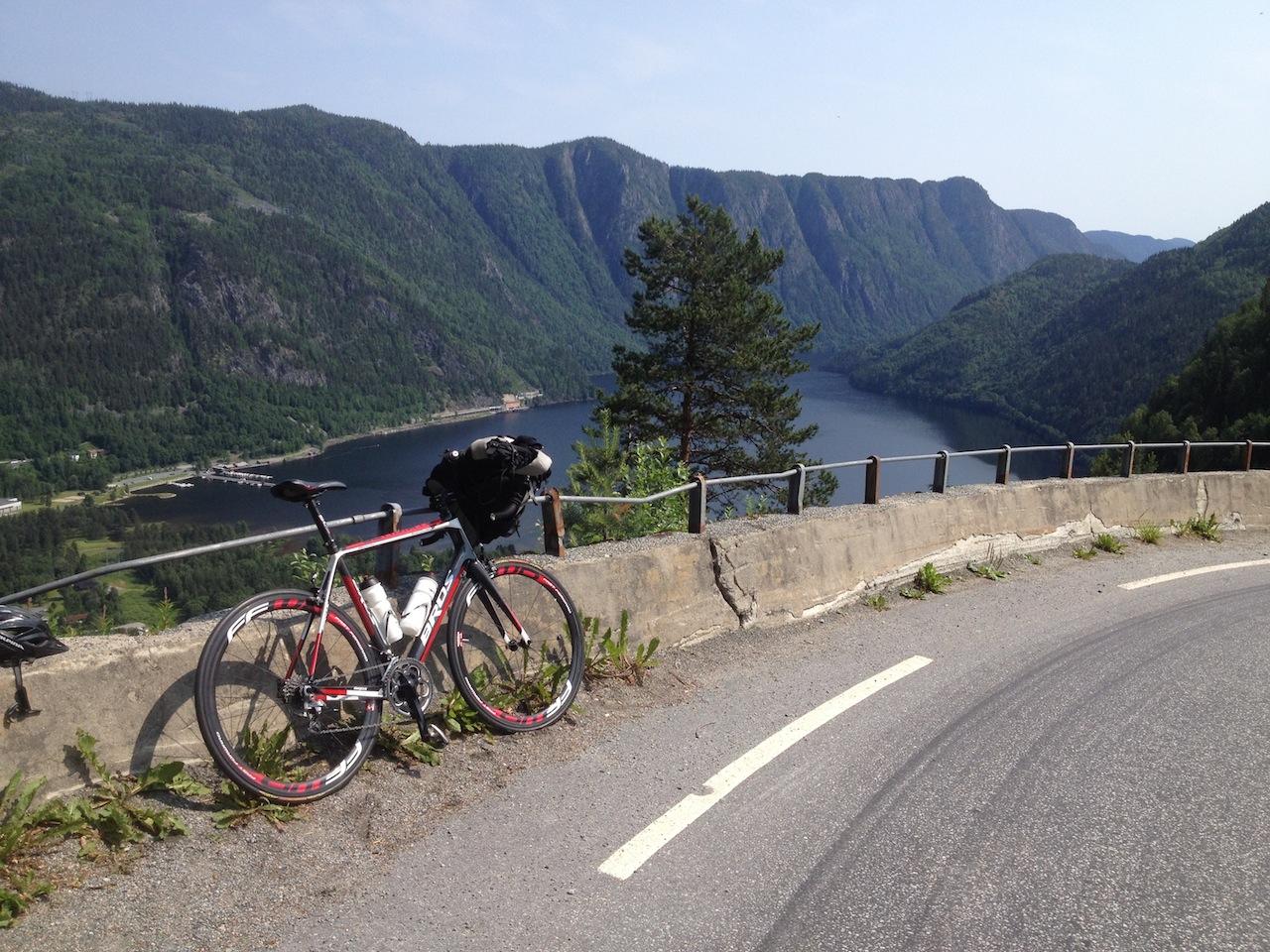 Fantastiske  dager  på  camping  etter  en  nydelig  sykkeltur  gjennom  Dalen  i  Telemark