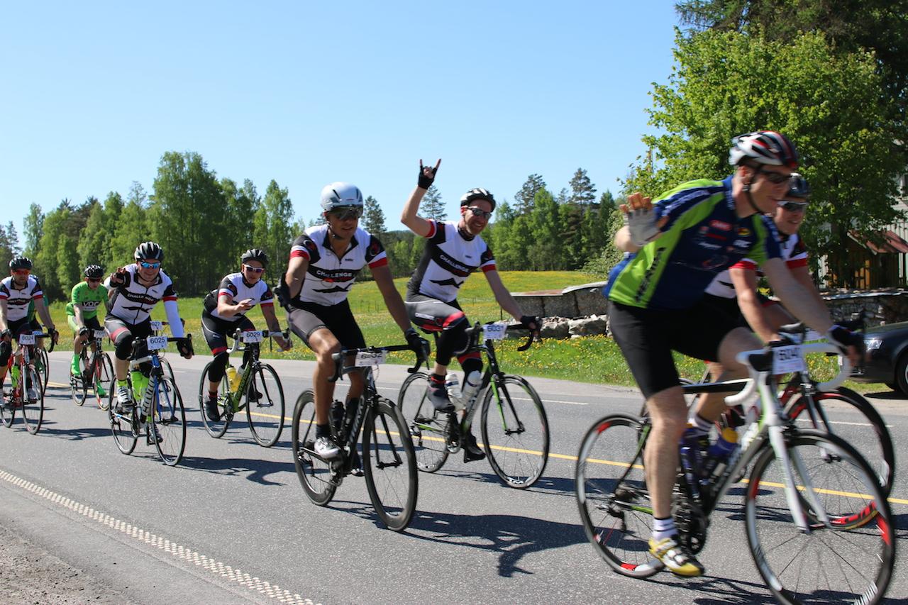 Me  fortsetter  tradisjonen  og  sykler  Kristiansand-Hovden  2015